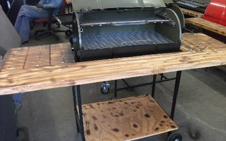 Grills With Cutting Table